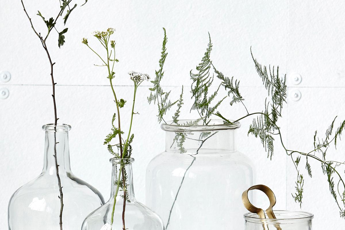 Bild mit Vasen