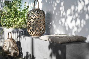 Balkon gestalten mit minimalistischen Elementen