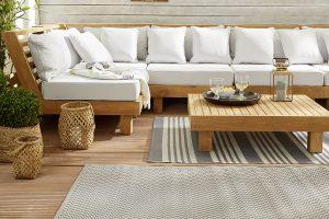 Outdoorteppiche sind die perfekte Ergänzung auf der Terrasse