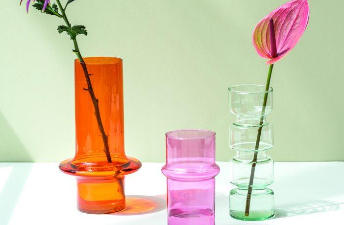 Vasen dekorieren mit drei unterschiedlichen Behältnissen