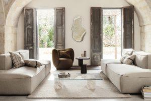 Organische Formen dürfen als Wandgestaltung im Wohnzimmer nicht fehlen