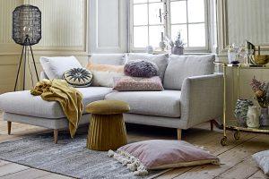 Sitzpouf zum Sofa