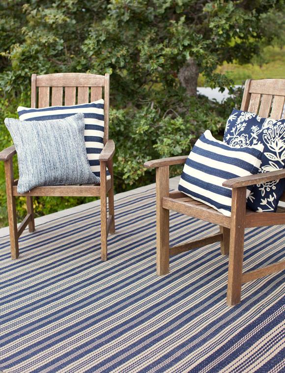 teppich gestreift blau natur von dash albert car m bel. Black Bedroom Furniture Sets. Home Design Ideas