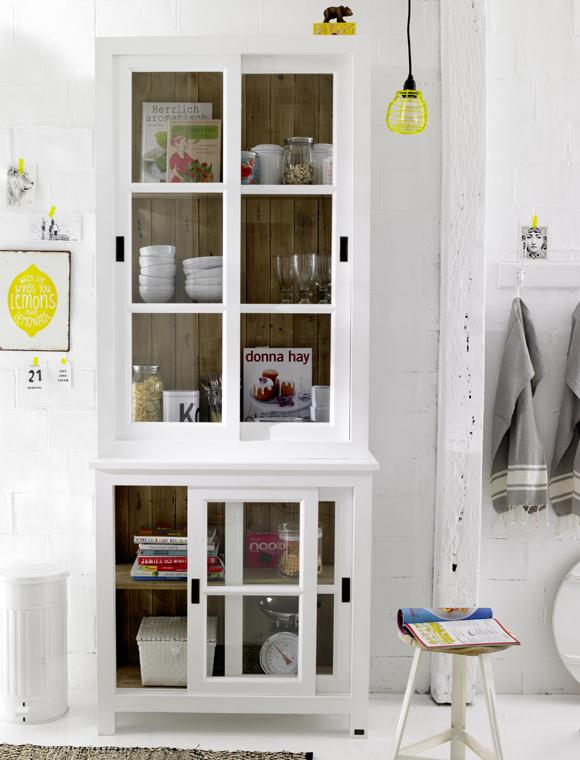 vitrinenschrank massivholz car m bel. Black Bedroom Furniture Sets. Home Design Ideas