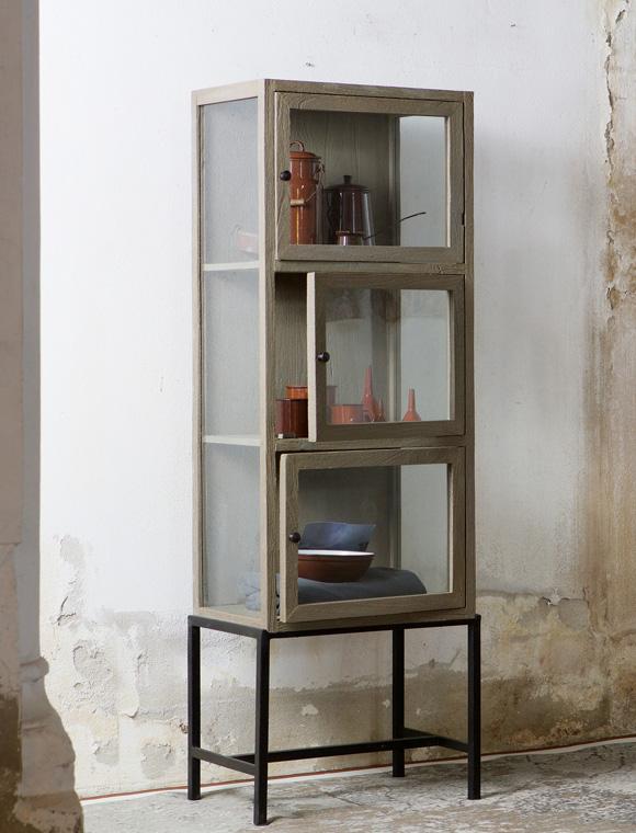 glasvitrine von de eekhoorn car m bel. Black Bedroom Furniture Sets. Home Design Ideas